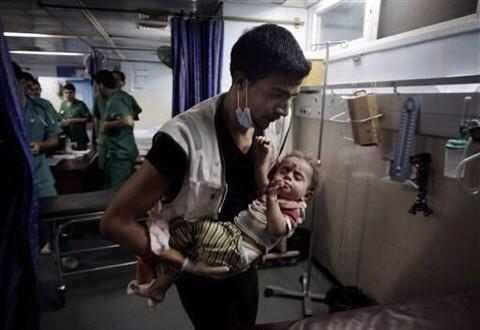 #Gaza Ths baby hasn't even takn his 1st step!Choosing war over political diplomacy is juvenile.Blood floods bothsides http://t.co/ANUzTn1jVI