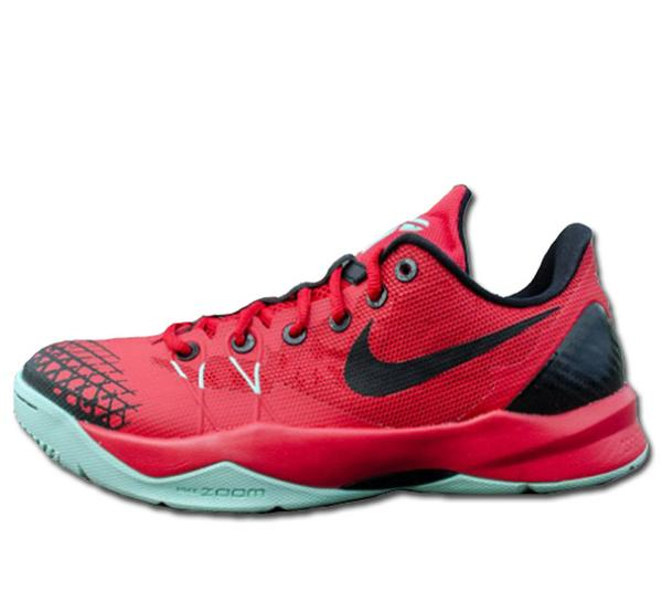 Just Released: New Nike Kobe Venomenon 4. Get your pair now! http://t.co/UDjkitYlU8 http://t.co/47df3aieRj