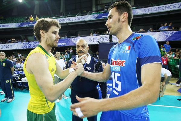The captains meet & we're almost ready to go in the 2nd #FIVBWorldLeague semifinal between Italy & Brazil!