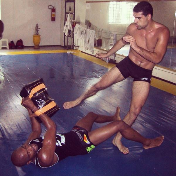 Found a pic of @SpiderAnderson & I training,taken by @eduardo_alonso 12+years ago, when we were both chasing a dream! http://t.co/ZMHET9WEtb