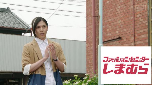 短パンがなかなかの女子力だった #gaimu #鎧武クソコラグランプリ http://t.co/ky8LpZYTyJ