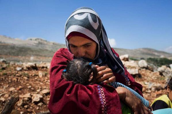 145 000 femmes #réfugiées syriennes chefs de famille luttent pour leur survie. http://t.co/jzZu1KLbw1 #Syrie http://t.co/Iit43PEIZz