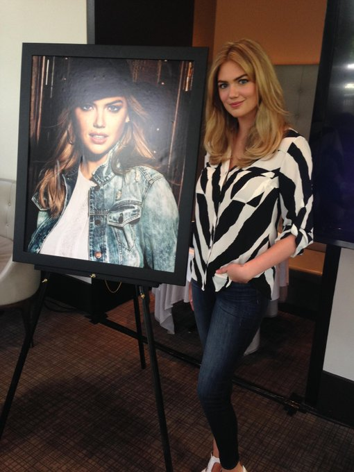Kate Upton @kateupton: Exciting start to a big day with @ExpressLife!  #expressjeans http://t.co/71NZCyUCdJ
