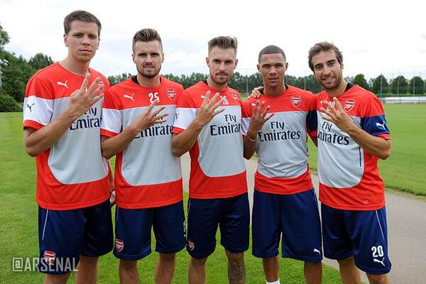 To celebrate reaching 4million followers, @Arsenal players reveal which position they finish in every single season.. http://t.co/fbGgUTjKBg