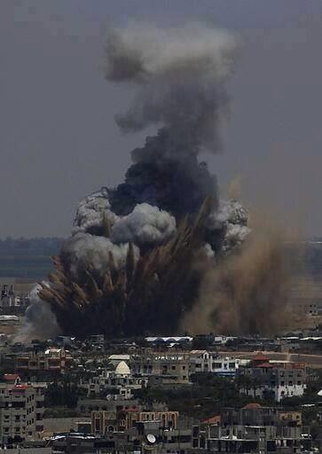 Y mientras están masacrando a Brasil en Belo Horizonte en Gaza: https://t.co/BFwM1L21S6