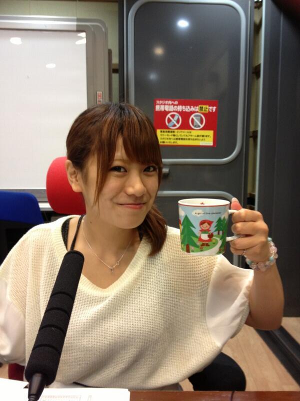 うたバッカ火曜日、今夜も1時半から生放送で。台風はまだ来ない大阪から!お届けしまあすー http://t.co/CYucmSfh7Y