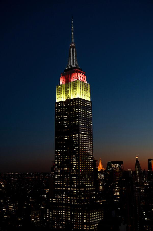 !!!!! RT @EmpireStateBldg: We'll shine gold, red & black tonight to honor the advancement of #GER in the #WorldCup! http://t.co/cVJ9Gx7KcL