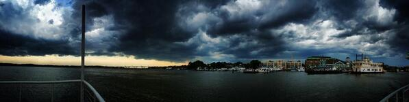 @capitalweather here's what the storm looks like on the Potomac, just off Alexandria: http://t.co/HBa1XDVjIU