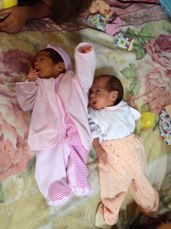 Mellizas recién nacidas necesitan ayuda urgente Leche, pañales, etc Patricia Montero04 3-840-893 http://t.co/S08voX7kcs