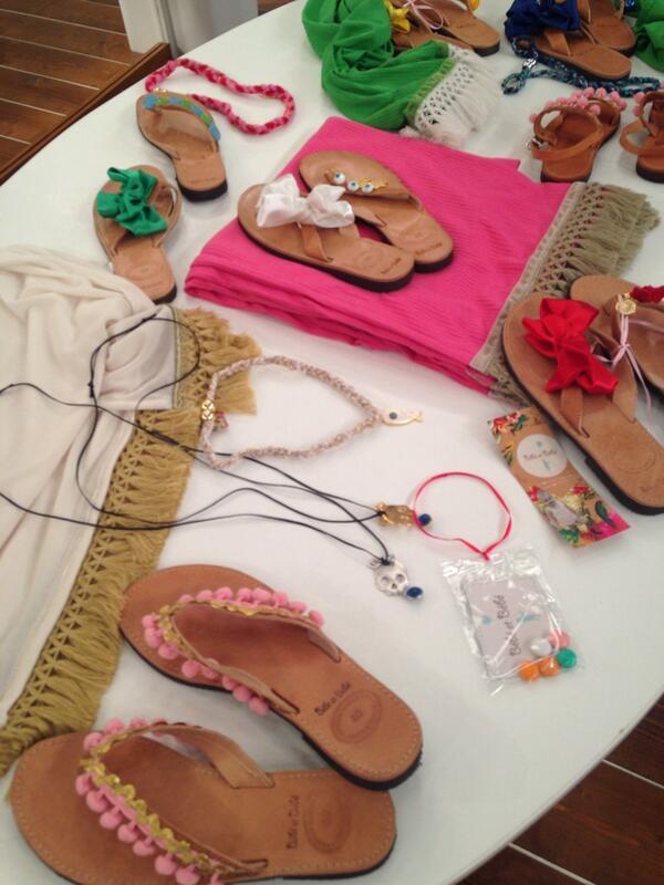 Katerina Kenourgiou (@katrinken): Κάντε RT και κερδίστε αυτά τα φανταστικά σανδάλια από την εταιρία BEBE ET BEBE! #KalokairiPantou @Eleni_AlphaTV http://t.co/HaBLuxUttd