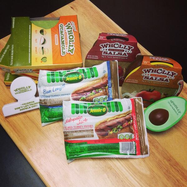 Win this Jennie-O @SwitchToTurkey  @eatwholly guacamole prize pack today! 5 winners #whollyWINSday RT and follow http://t.co/5ZhjyVWujZ