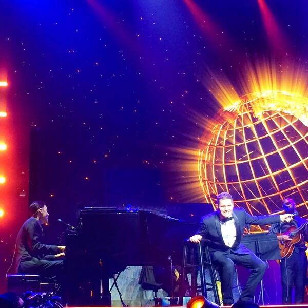 Still singing and smiling after seeing @michaelbuble @TheGarden last night!  #mbworldtour #100happydays #bublemsg http://t.co/q06CEx9Bwq