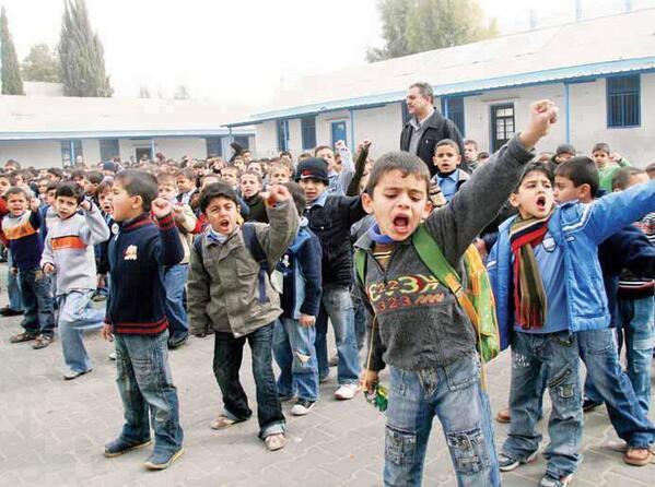 "Rt @_awayday: Anak-Anak Gaza, Semangatmu Membuatku Cemburu #PrayForPalestina http://t.co/AYRvBiBLau"""