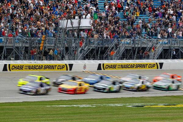 #NASCAR fan? The #EnjoyIllinois 300 is happening @ChicagolndSpdwy on 7/19. RETWEET if you want to go! http://t.co/4GEQL2BqkI
