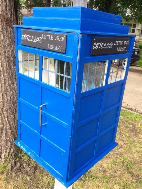 I didn't know these were a thing, but they're a thing. A cute thing. #littlefreelibrary #Wolseley #Winnipeg http://t.co/2n3vYTDXdw