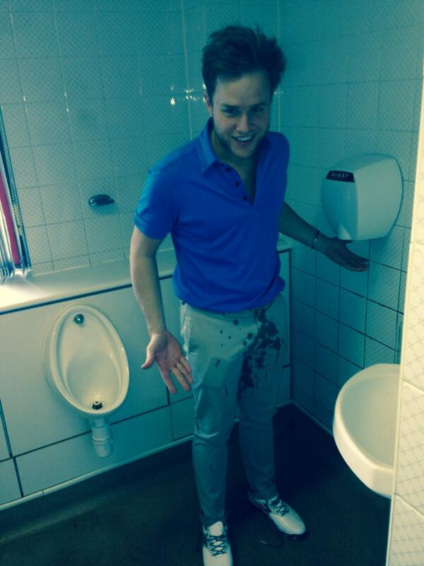 Decent days golf untill @ollyofficial couldn't control himself @rickyfinnigan #nappiesneeded http://t.co/5EC4jEi7oP