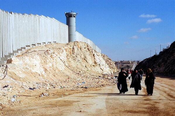Ban Ki-moon says #Israel's construction of #WestBankBarrier violates int law, fuels tensions http://t.co/sT3zT2l3nk http://t.co/I3RDdUbpiL