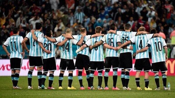 FELIZ 9 de julio Argentina!! http://t.co/TbogS8gLPn