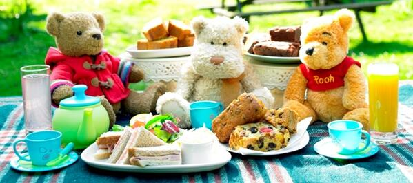 I'm sorry, but this is the CUTEST! RT @hellogiggles: Happy Teddy Bear Picnic Day!  #Yesthisisathing http://t.co/uzvIpos88b