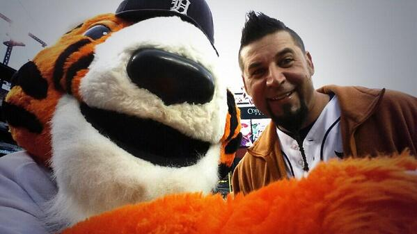 """@PAWSDetroit: I know @RichPyleRPM is ready to #PickRick today! http://t.co/YYdP6FAGUV"" You know that's right, Paws!! #PickRick !!"