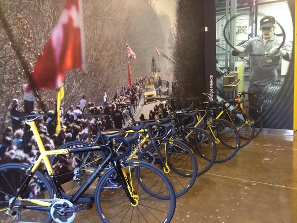 Some amazing bikes for @Mavic 125th anniversary. @ritteracing @sevencycles @lynskey_ti @ArgonautCycles @mosaiccycles http://t.co/gWs4YCsGDY