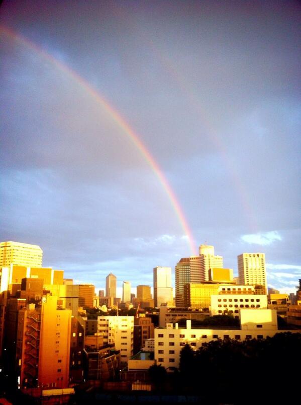 編集部から虹が見える http://t.co/iC7Rqt35vA
