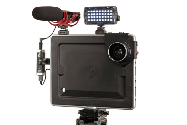 """""""@runaroundtech: Review:  The Padcaster for the iPad - http://t.co/tEww72DTOG http://t.co/ovDDDbN0l1""""  Can I get some RTs?"""