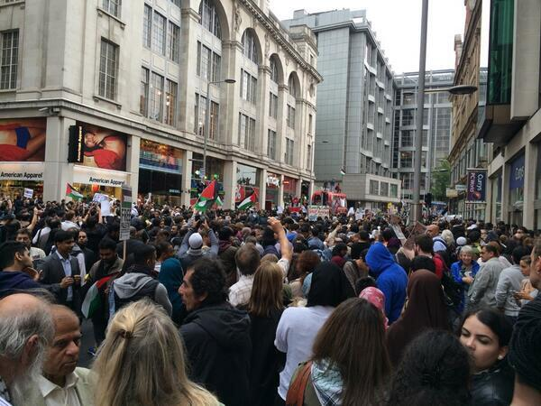 Over 10,000 blocking road in #GazaUnderAttack protest outside #Israel Embassy London: Stop Bombing #Gaza Now http://t.co/wP5EOVmUcG