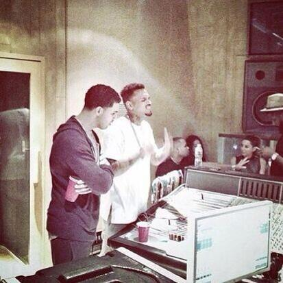 "i hope soooo!! RT @miilkkk chris brown and drake about to make the 2014 version of ""Same Girl"" http://t.co/6KlPXzJQWN"