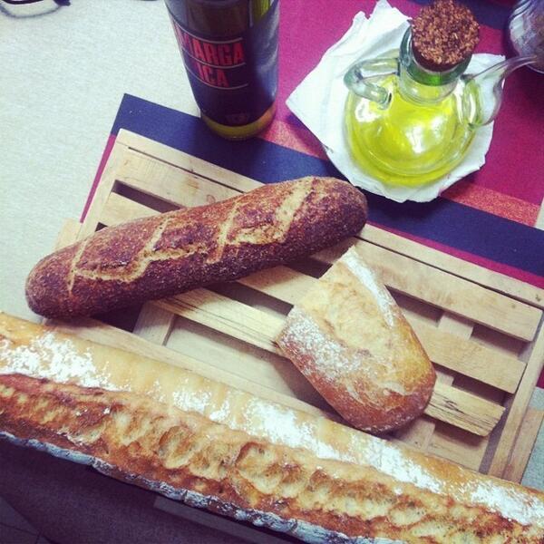 Hoy toca desayunar tranquilamente. ¡Buenos días! #malaga #gastronomia #cocina http://t.co/80vD7LS6dp