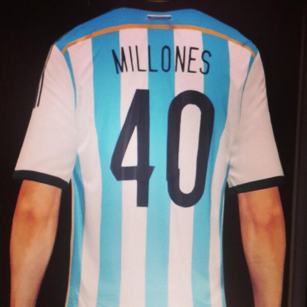 Titular indiscutido para mañana #40millones @Mascherano @G_Higuain @marcosrojoscp @aguerosergiokun @PochoLavezzi http://t.co/W2Z55ivdCs