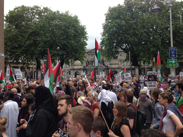 We reached the Irish Parliament #Dublin #FreePalestine http://t.co/3dYDTGXXlb