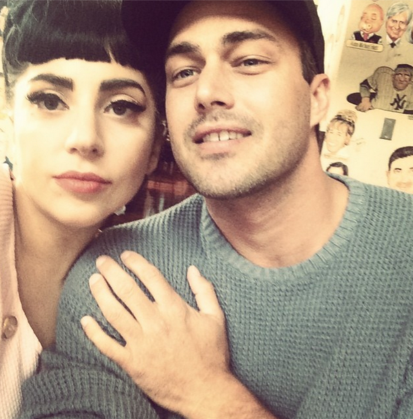 RT @gagamonster96: Lady Gaga just posted a selfie with Taylor Kinney 💗 http://t.co/H5Vjtl8uAR
