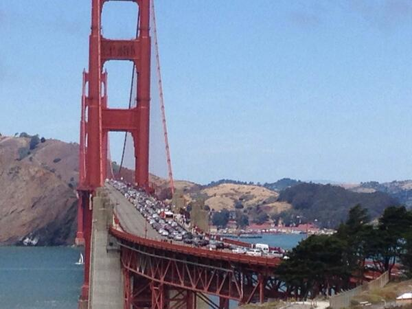 I suggest you all avoid the Golden Gate Bridge right now. #accident #traffic #sanfrancisco #marin http://t.co/de1D3YRnwU