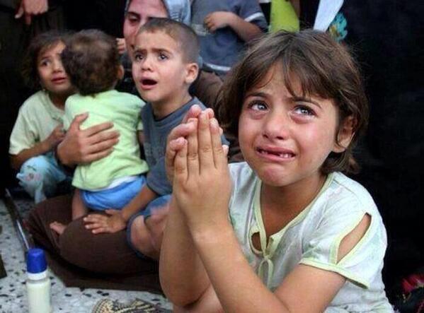 당신이 마시는 스타벅스 한 잔은 팔레스타인과 영토 분쟁 중인 이스라엘의 전쟁 자금, 군수산업 강화 등에 후원되고 있다는걸, 팔레스타인의 어린이들을 향해 총알을 쏟아붓는 이스라엘 군대의 총알 값이라는 사실을 ㅠㅠ http://t.co/GHhCCbBKuA