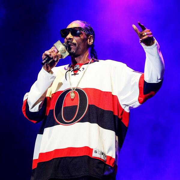 Young, wild, and free!!! @SnoopDogg #RBCBluesfest2014 http://t.co/6NX6Z3gW2N