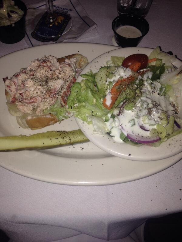 Shannon Hegy (@ShannonHegy): In lobster roll heaven at @BrickAlleyPub http://t.co/YwRUdeOSSW