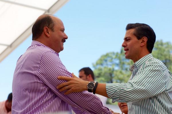 Mis mejores deseos en su cumpleaños Presidente @EPN. Un fuerte abrazo con mucho afecto ¡Felicidades! http://t.co/iLgzwTgvWY