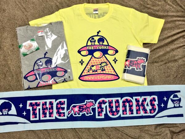 ゴスペラーズの安岡さんがプロデュースしてるTHE☆FUNKSの5周年記念グッズのTシャツとタオルをデザインさせていただきました。来週のSOUL POWER なにわSUMMIT 2014でも販売致しますので行かれる方は是非♩ http://t.co/10rWlym5iv