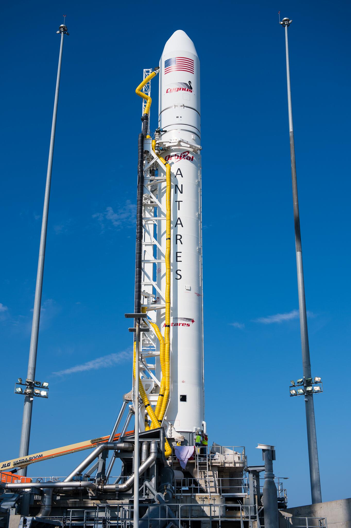 21 mins to launch of #Orb2. #DidYouKnow? The Antares rocket is 131.5 feet tall--about the size of a 13 story building http://t.co/9x3M1vLezg