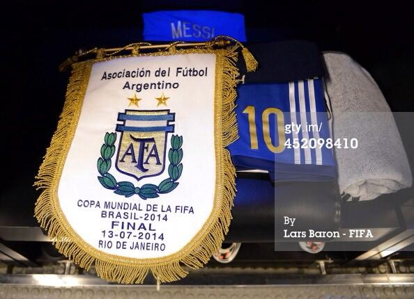 The World Cup Final match pennants hang in the #ARG and #GER changing rooms. http://t.co/HZ3mh45iL7