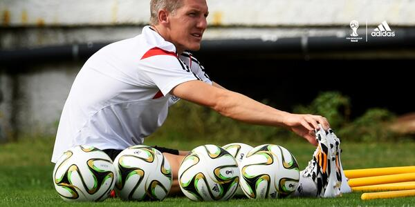 This is how seriously @BSchweinsteiger is taking possession of a football ahead of the final. #ballin http://t.co/Qy5FS5JVRN