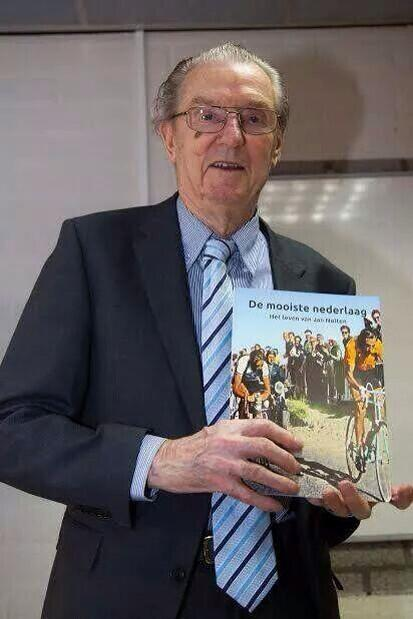 Oud wielerbaan coureur Jan Nolten overleden, rust zacht Jan... Sterkte aan familie: http://t.co/Qvau9efjsz