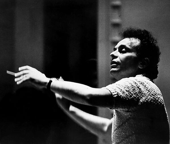 We join the world in mourning the death of Lorin Maazel. His performances brought joy to audiences around the world. http://t.co/agBsos4uwh