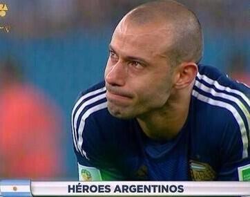 MI jugador del Mundial! Sin palabras!! Gracias Sr @Mascherano! http://t.co/fmy0qrT51x
