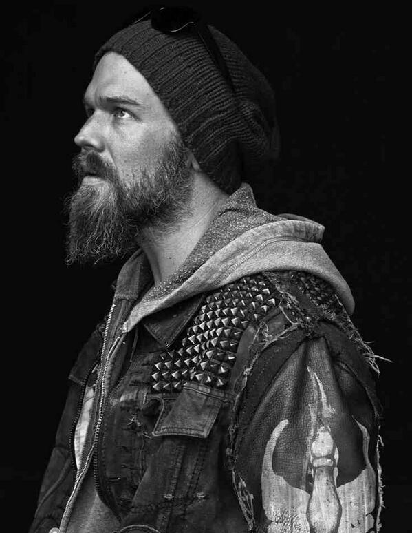 So why isn't Ryan Hurst being bombarded with scripts??? #sexiness #celebrityCrush #yum http://t.co/RoY0SjvCe7