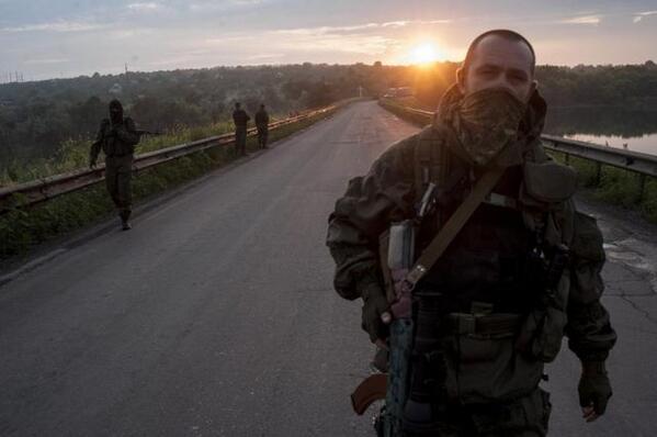 Пользователи Сети узнали в одном из боевиков одесского депутата http://t.co/pqDxued2uJ http://t.co/upTGumtry0