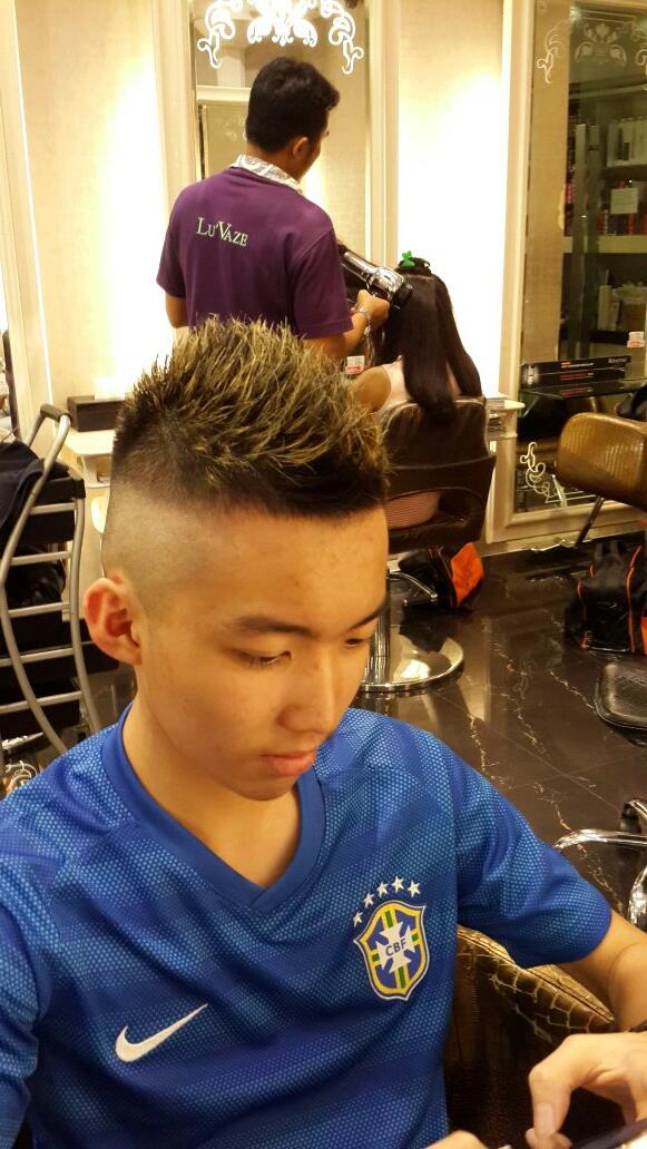 @Gavin_MJ new hair style http://t.co/7Oe6GtFcHp