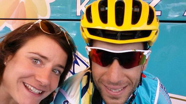 The world's greatest cyclist meets... @vincenzonibali    #tdfselfie  #astanaproteam   @marianne_vos http://t.co/qg9SwU84My