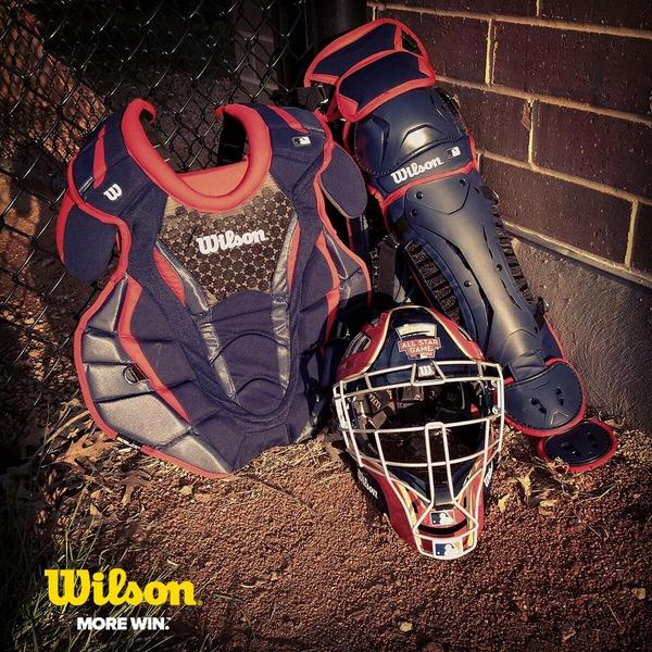 Want this set of Limited Edition 2014 Home Run Derby Catcher's Gear? Just RT to enter for a chance to win! http://t.co/YHInXIceHo